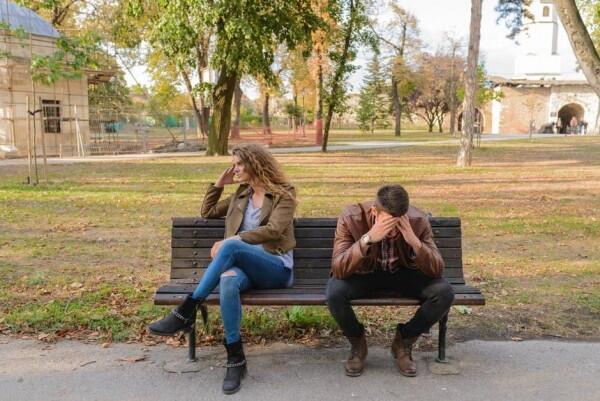 5 Bahaya Mencintai Pasangan Secara Tak Bersyarat
