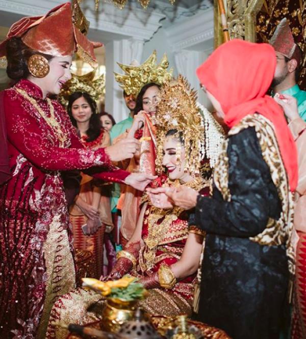 Bak Kakak Adik, 10 Momen Tania Nadira & Ibu yang Selalu Tampil Hits