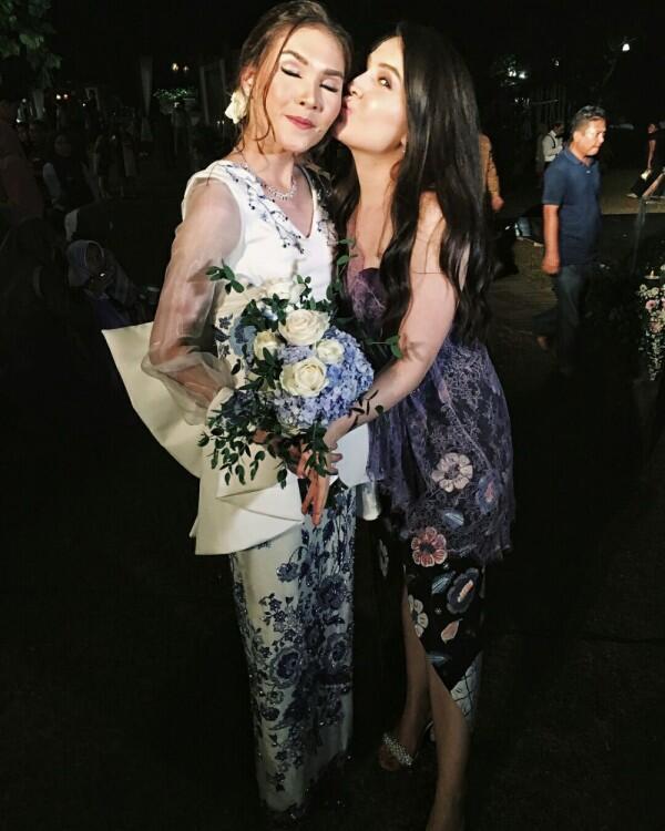 10 Momen Manis Olivia Jensen dan Adik Kembarnya Sabrina, Bisa Bedakan?
