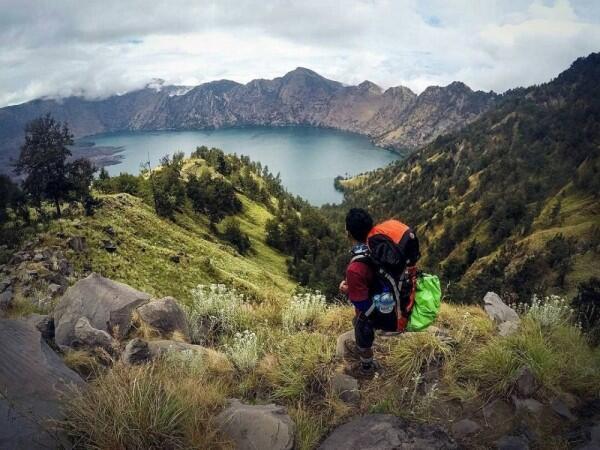 Gak Cuma Pantai, 10 Wisata Alam di Lombok Ini Harus Kamu Kunjungi!