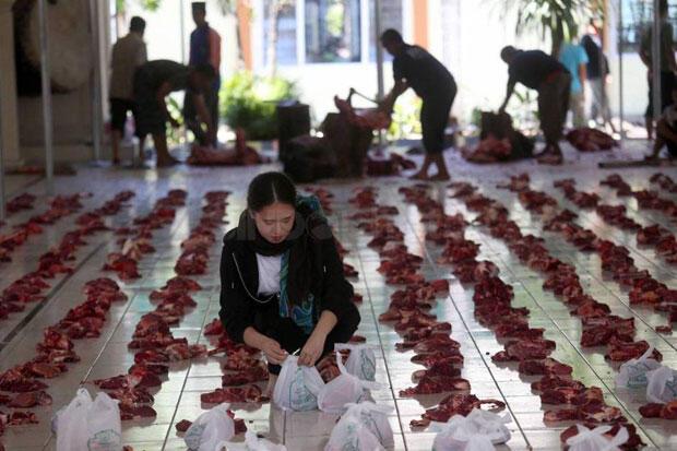 Masjid Istiqlal Bagikan Langsung Daging Kurban ke Warga melalui RT/RW