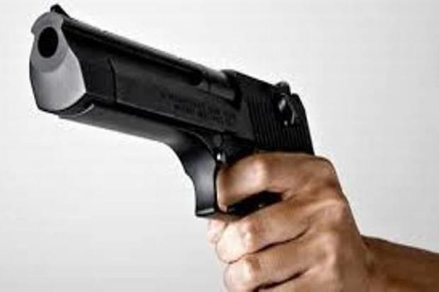 Bermodal Pistol Mainan, Pelaku Curanmor Babak Belur Digebuk Warga