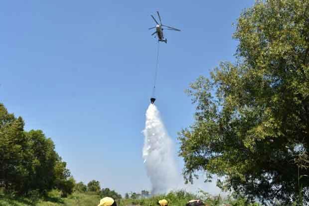 Karhutla, 5 Helikopter Dikerahkan Lakukan Pengeboman Air