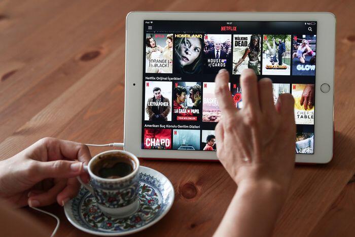 Bisnis TV terseok digempur layanan streaming