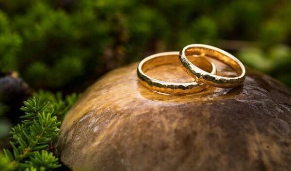 Kenapa Makin Banyak Orang yang Pilih Pesta Pernikahan Sederhana?
