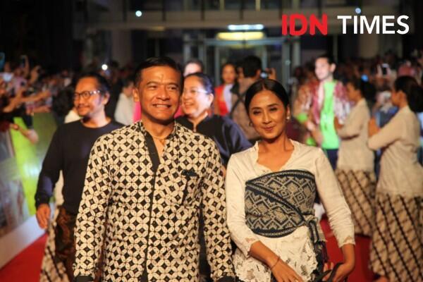 15 Potret Kemeriahan Gala Premier Bumi Manusia & Perburuan di Surabaya