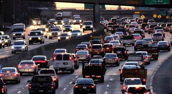 Pembatasan Usia Mobil Bisa Kurangi Polusi? Ini Kata Warganet