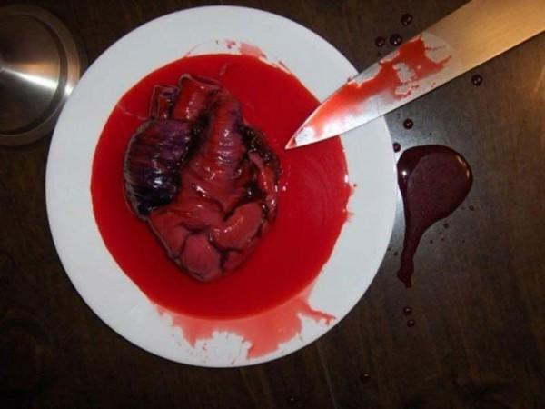 10 Makanan Ini Punya Bentuk yang Mengerikan, Masih Berminat Makan?