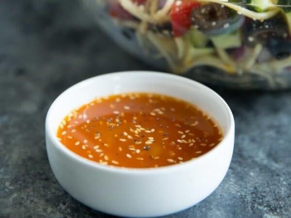 3 Resep Mudah Bikin Dressing Salad, Jadi Lebih Segar dan Nikmat