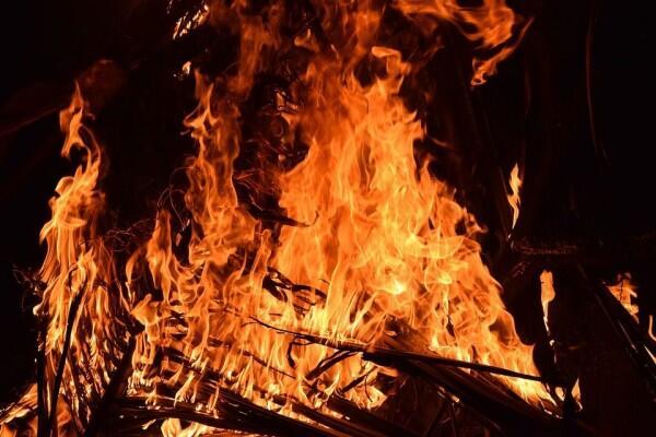 Malam Takbiran Iduladha, Pasar Kambing Tanah Abang Kebakaran