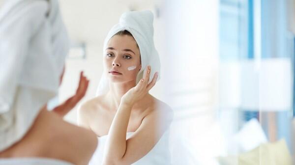 Sering Dianggap Sama, Ini 5 Perbedaan Kulit Alergi vs Kulit Sensitif!