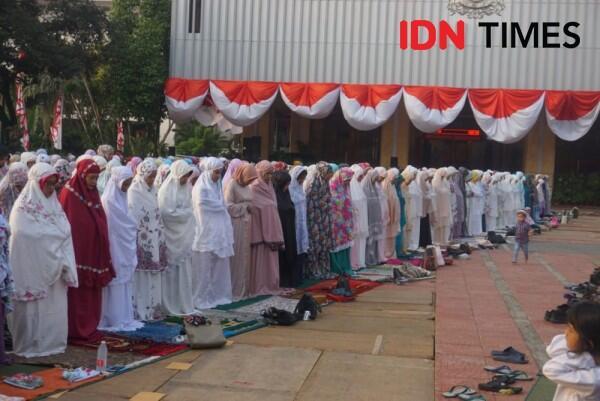 [FOTO] Ada Ustaz Muzamil, Ini Suasana Salat Iduladha di Balai Kota DKI
