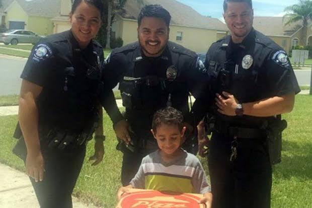 Kejutan Pizza Dari 911 Untuk Dedek Manis
