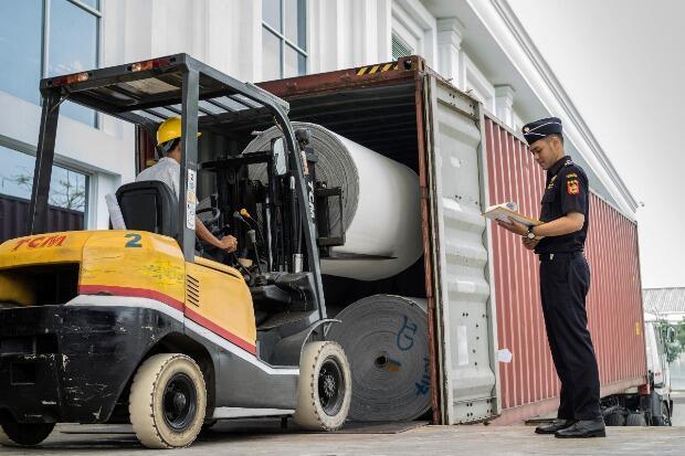 Bea Cukai Kaltim Berikan Fasilitas Gudang pada PT Sinar Dani Borneo