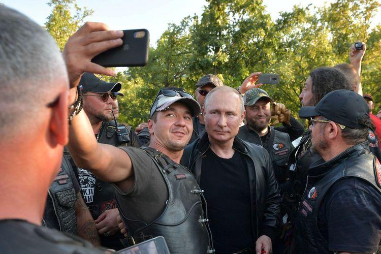 Ada Unjuk Rasa Menentang Dirinya di Rusia, Putin Hadiri Acara Geng Motor di Crimea