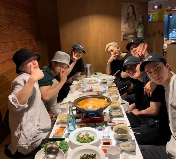 5 Sifat Park Chanyeol EXO yang Bikin Fans Makin Sayang, Setuju?