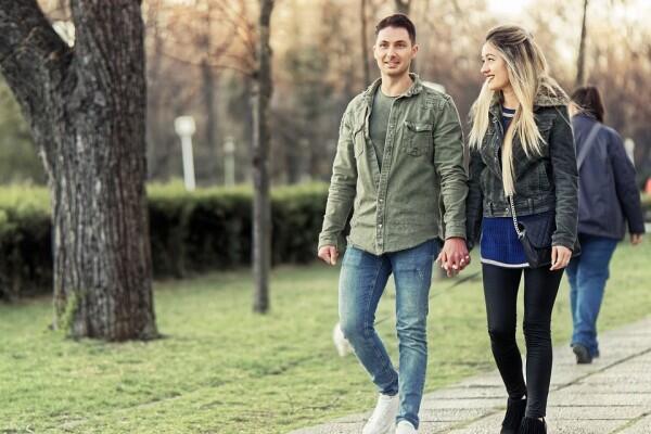 Selalu Terkenang, 5 Alasan Cinta Pertama Itu Susah Dilupakan