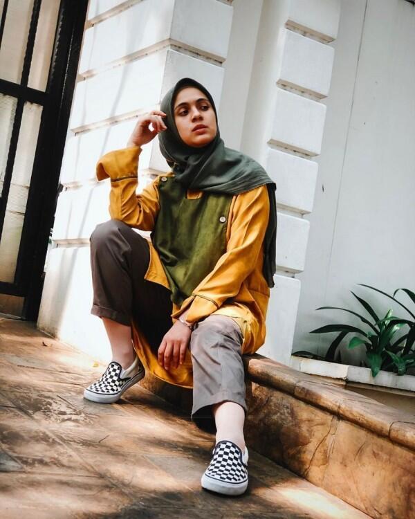 9 Inspirasi Outfit Santai ala Nycta Gina buat Kamu yang Gak Mau Ribet