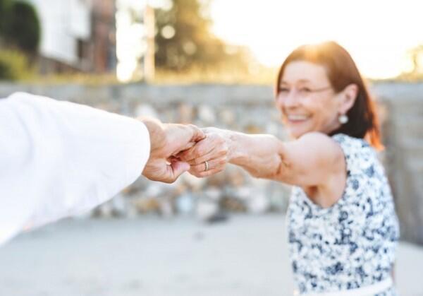 Berdasarkan Psikologi, 10 Cara Ini Membuatmu Lebih Dekat dengan Pacar
