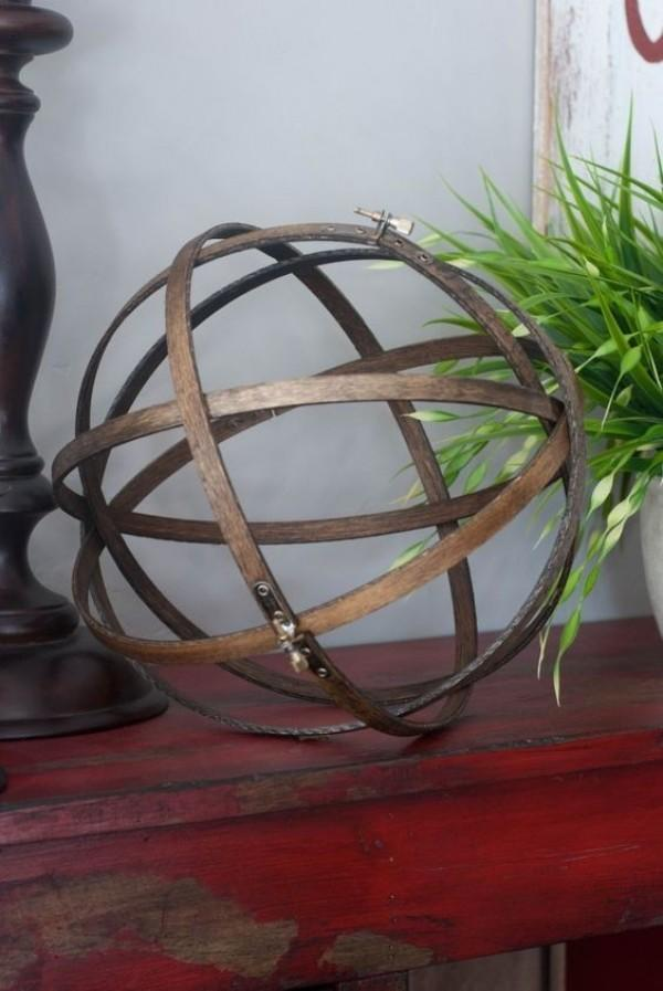 10 DIY Hiasan Dinding dari Embroidery Hoop, Anak Kos Wajib Coba!