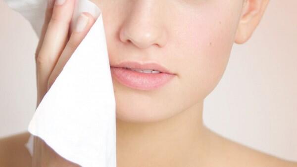 5 Tips Menggunakan Cleansing Wipes Agar Wajah Bersih Maksimal
