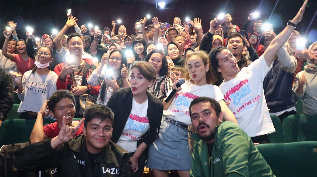Morgan Oey Jadi Kejaran Penonton 'Mahasiswi Baru' di Depok