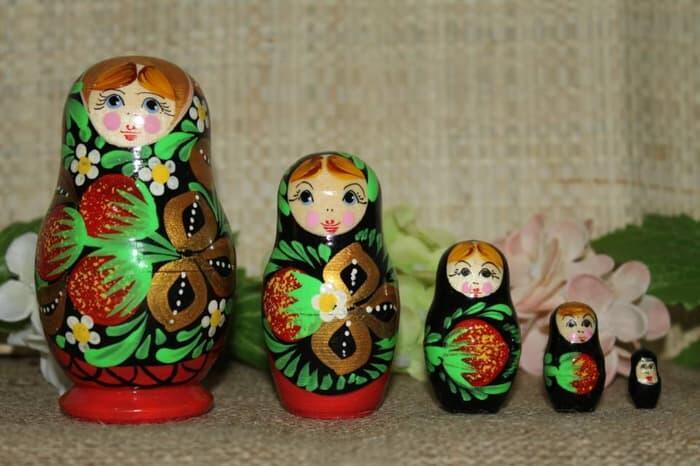 Boneka yang Khas dari Rusia Ini Ternyata Terinspirasi dari Negara Lain Lho