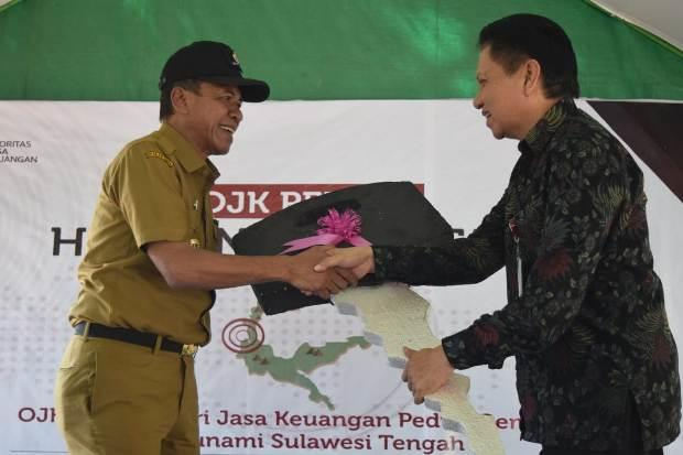 OJK Sulawesi Tengah Serahkan 120 Bilik untuk Korban Gempa Kota Palu
