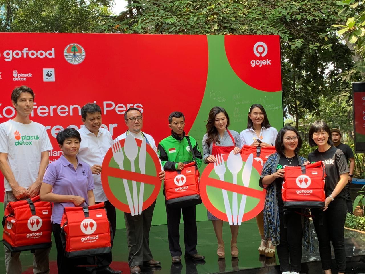 KLHK Gandeng Gojek Tekan Penggunaan Sampah Plastik