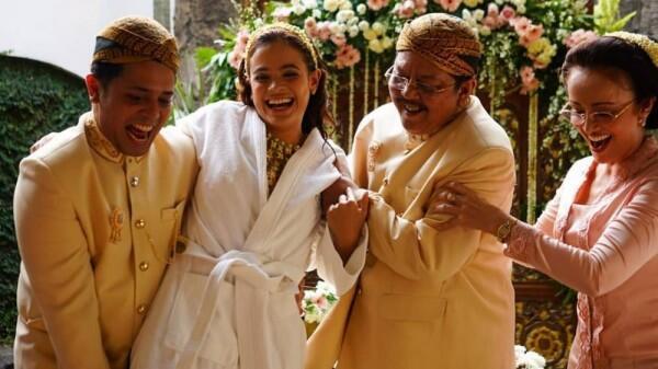 Menikah, 11 Potret Perjalanan Cinta Cantika Felder & Rocky Ramadhana