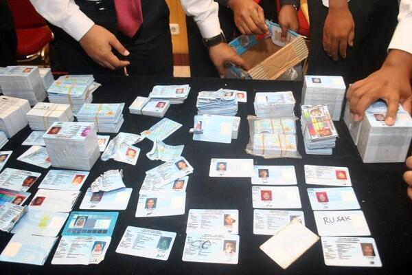 [BREAKING] KPK Tetapkan Anggota DPR Jadi Tersangka Baru Korupsi e-KTP