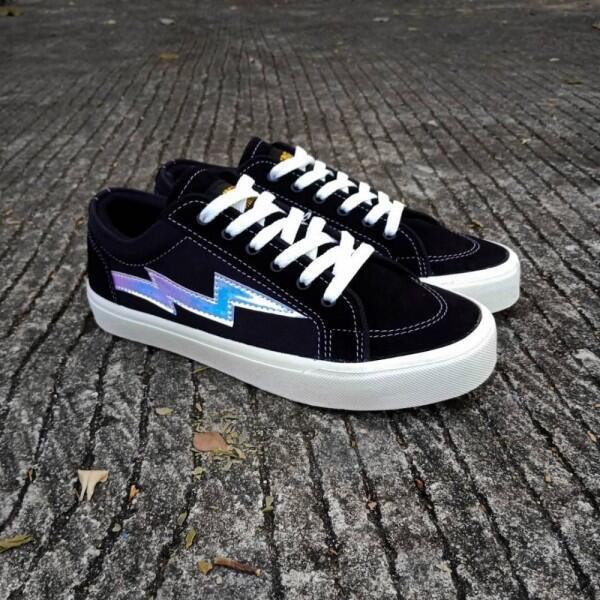 10 Rekomendasi Sneakers Brand Lokal, Berasa Pake Produk Luar!