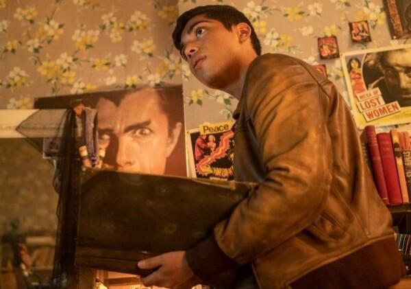 10 Potret Michael Garza yang Mencuri Hati di Film Scary Stories