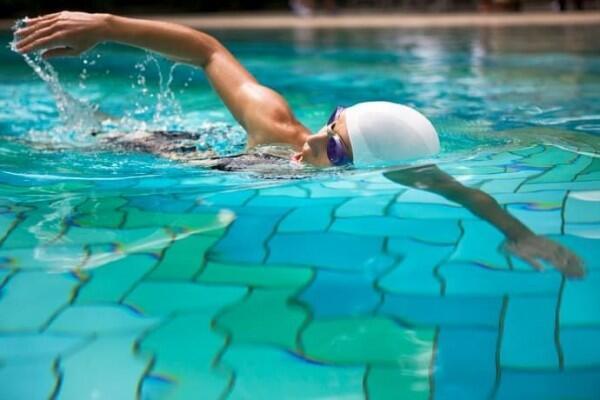 Mengapa Kamu Merasa Kelaparan Setelah Berenang? Ketahui Penjelasannya