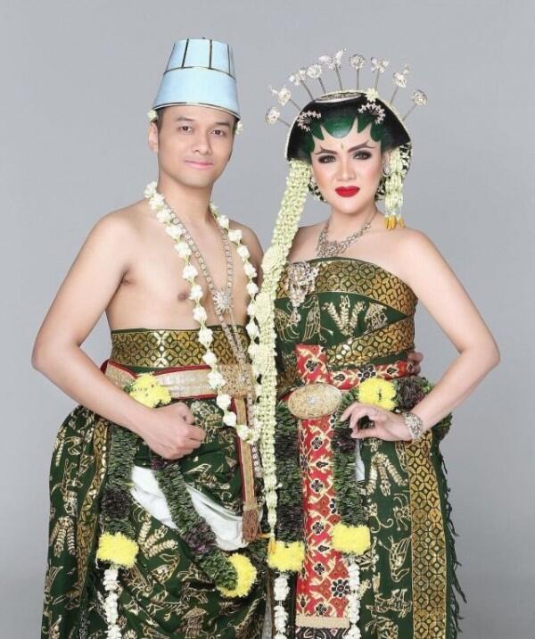 10 Pernikahan Artis Ini Menunjukkan Budaya Indonesia yang Sarat Makna