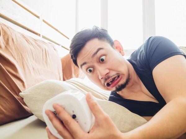 5 Cara Ngeles Saat Telat Janjian Ini Ngeselin Banget Lho, Jangan Ya!