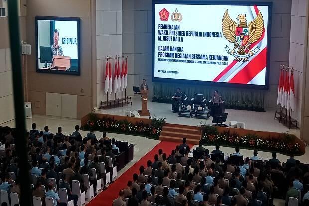Di Depan Siswa TNI Polri, JK Singgung Tewasnya Briptu Haedar