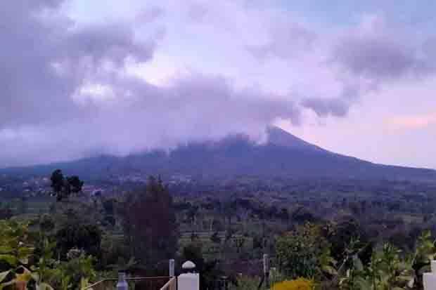 Awan Panas Guguran Gunung Merapi Meluncur 950 Meter