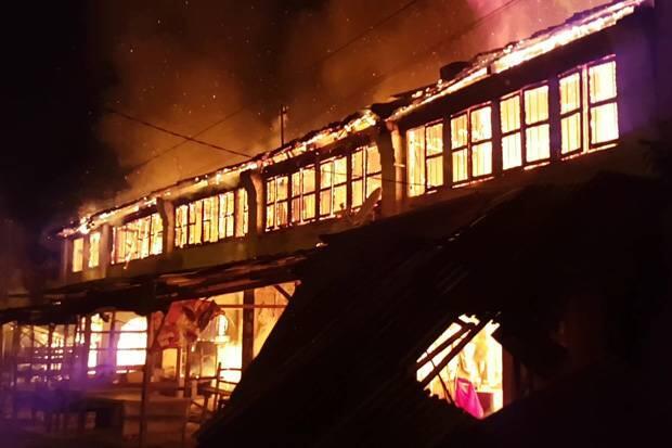 5 Rumah dan Toko Tua di Medan Labuhan Ludes Terbakar