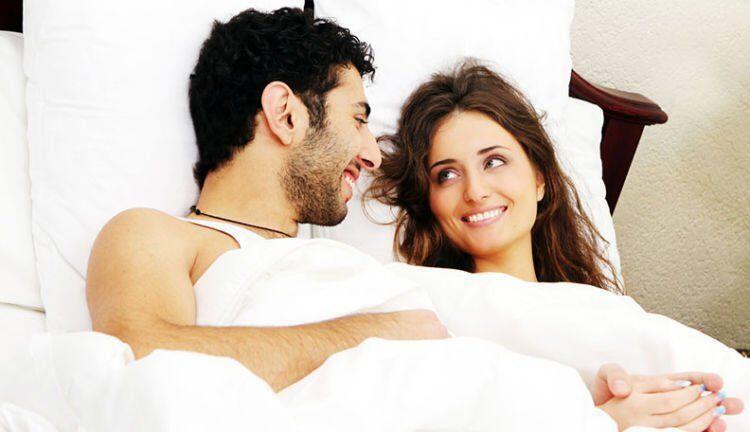 3 Cara Memuaskan Suami Sebelum Tidur. Istri Wajib Baca!