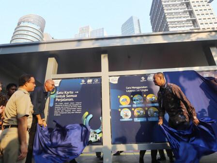 Pemprov DKI dan FDTJ Pasang Informasi Transportasi Publik di Koridor Sudirman