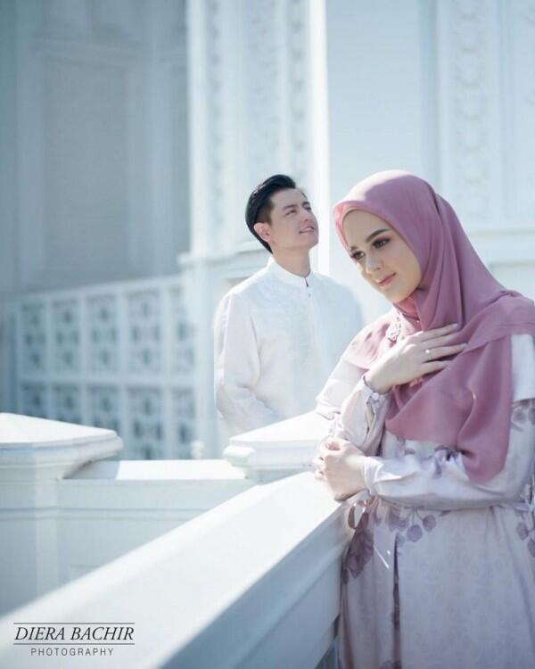 Bernuansa Islami, 10 Prewed Cut Meyriska-Roger di Masjid Ramlie Musofa
