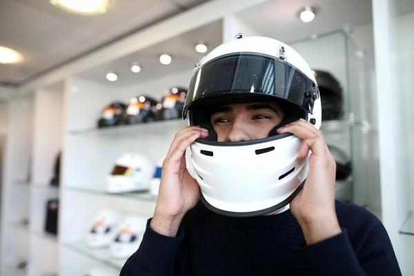 5 Cara Bedakan Helm Ori vs. KW Super, Jangan Tertipu Sama Tampilan