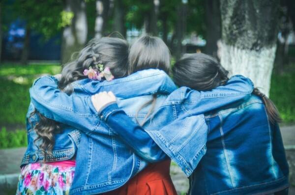 9 Rahasia yang Membuat Persahabatan Makin Erat