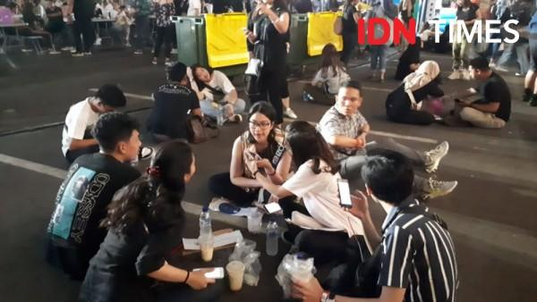 Kronologi Batalnya Konser Hari Pertama LANY yang Berujung Ricuh