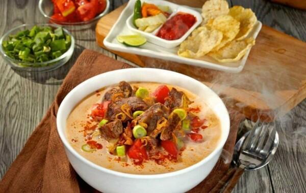 5 Kuliner Kuah Santan Khas Betawi yang Gurihnya Nempel di Lidah