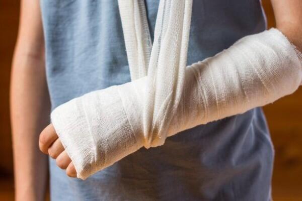 7 Cara Mempercepat Penyembuhan Patah Tulang, Segera Pulih Tanpa Terasa