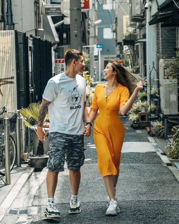 10 Potret Liburan Andrea Dian & Ganindra Bimo ke Jepang, Couple Goals!