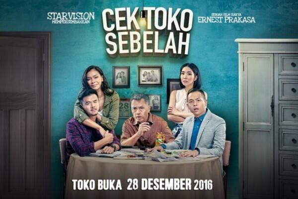 8 Film Indonesia Ini Bahas Hubungan Orangtua dan Anak, Haru Banget!