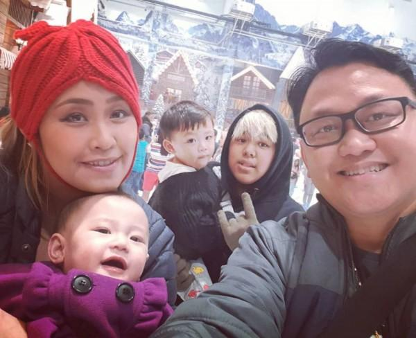 Jarang Diekspos! 10 Momen Bahagia Pinkan Mambo dan Suami Tersayang